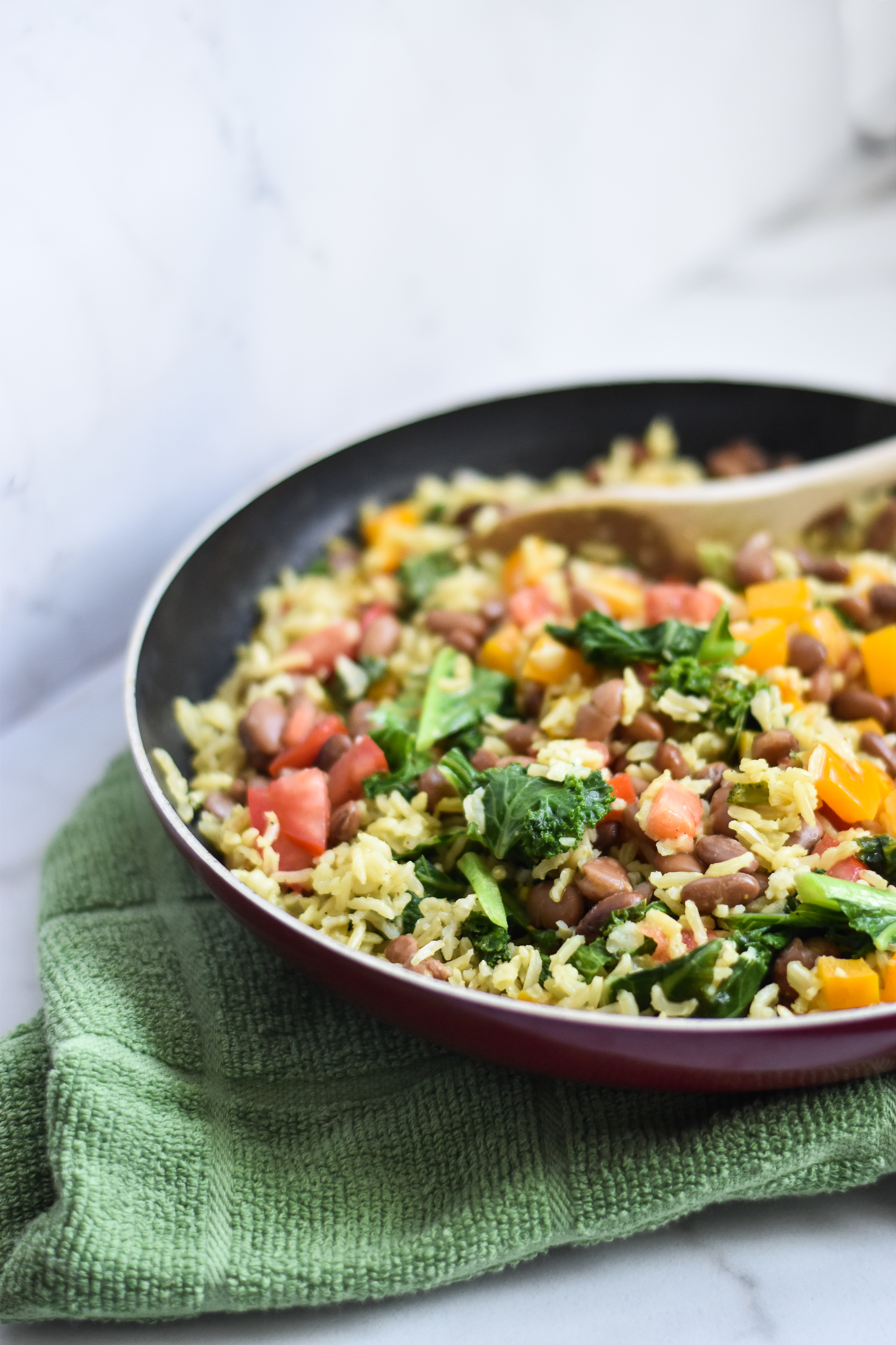 Vegan Coconut and Kale Curry Rice With Kidney Beans